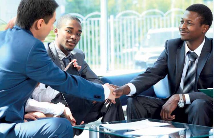 Recrutement  des managers formateurs et télé-vendeurs chez Adkontact